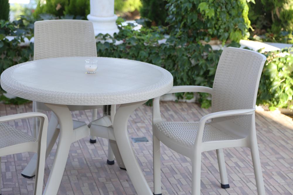 stolik plastikowy ogrodowy