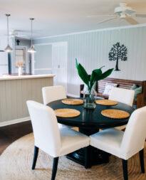 tapicerowane krzesła do jadalni