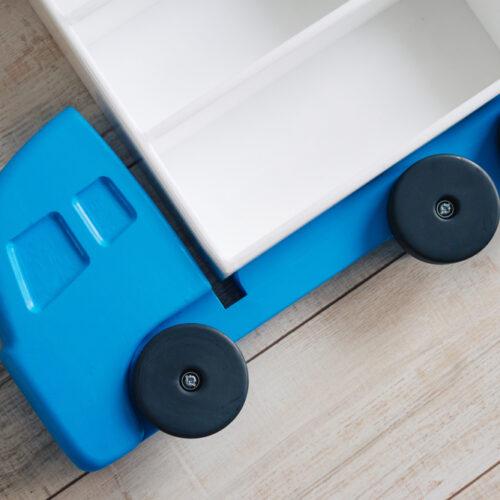 półka w kształcie samochodu