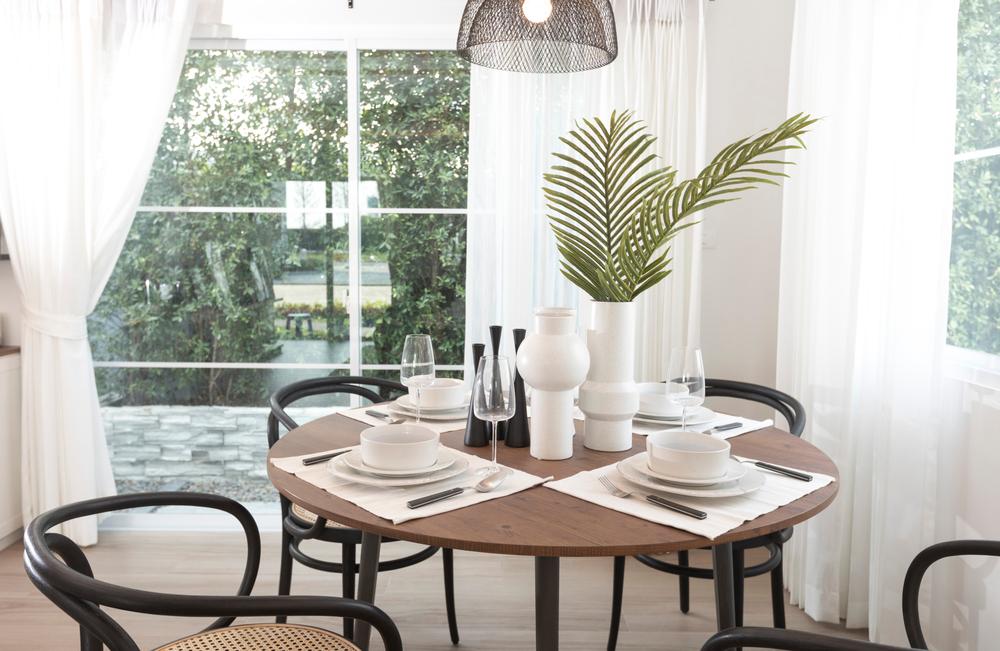 okrągły stół do jadalni