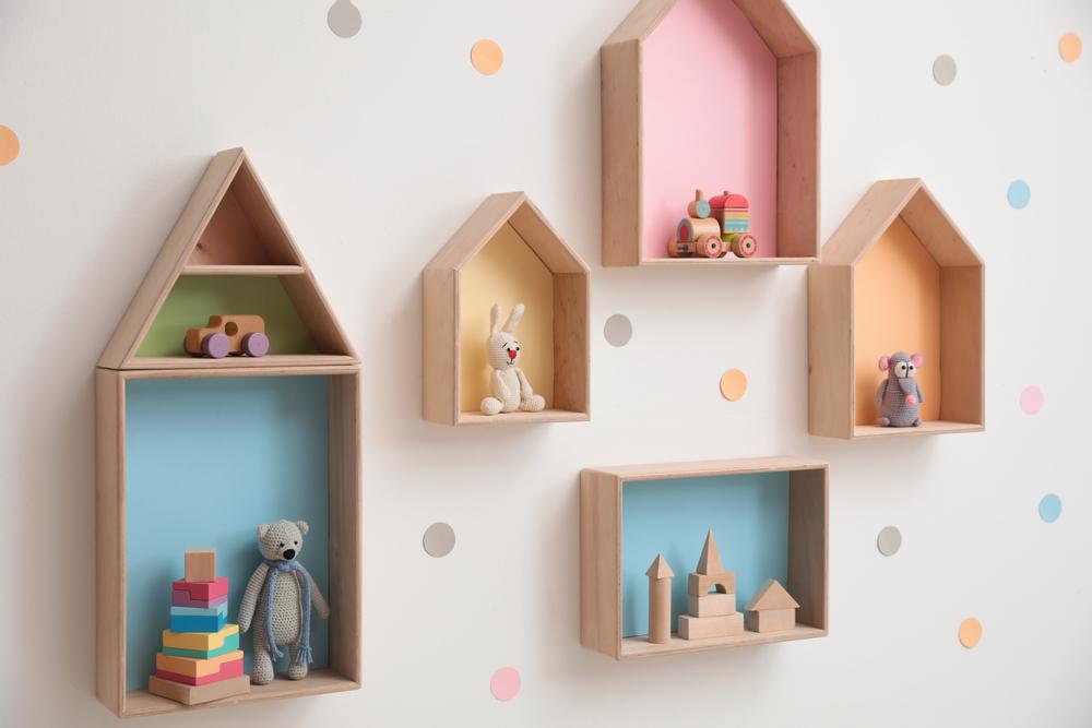 półka w kształcie domku