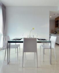 stół do jadalni kwadratowy