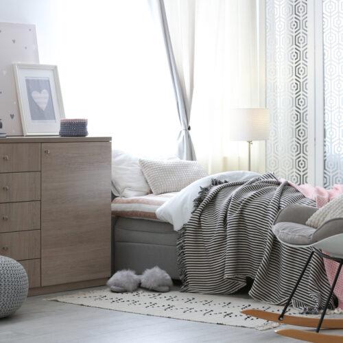 Komoda do sypialni z płyty meblowej