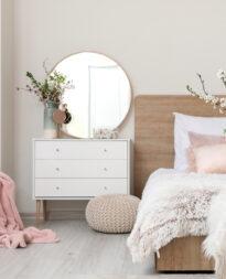 komoda z lustrem w sypialni