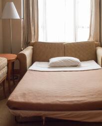 sofa z systemem belgijskim